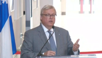 Health Minister Barrette orders hospital to maintain regular personnel levels during winter school break